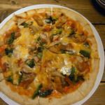 道産小麦のパスタ屋さん ミールラウンジ - 3種きのこのピザ 1280円