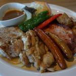 Trattoria Forest - 料理写真:大山鶏や国産ポークを使ったミックスグリルはシェアして食べるのにぴったり 2,900円