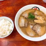 中華そば まるこ - 料理写真:チャーシュー麺&白めし
