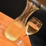 旨唐揚げと居酒メシ ミライザカ - ハウスワインデキャンタ(999円+税)2018年9月