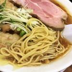 らーめん 稲荷屋 - ワンタン麺(900円)細麺