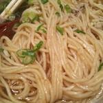 niboshichuukasobasuzuran - 炭火焼鯵煮干そばの麺