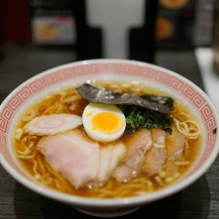 ラーメン大至 - 料理写真:チャーシューメン(醤油)