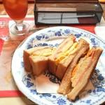 93856454 - ハム・タマゴ・ポテトサラダ。