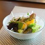 ステーキ・鉄板料理和かな - 季節のサラダ