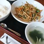 93859640 - ニラレバ炒め定食  550円❕