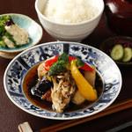 ■旬野菜と鶏肉の黒酢餡掛け