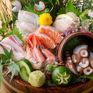 鮮度際立つ美味しさ♪漁港直送の鮮魚は刺身がオススメ!