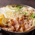 炙り鶏とおもちの塩カボス鍋