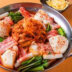 韓国×イタリア★チゲモッツァレラチーズ鍋