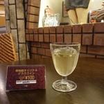 キャバリーノ - ドリンク写真:オリジナルワイン100円
