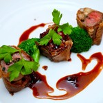 93874065 - 国産牛フィレ肉のクリスティアン 赤スグリの赤ワインソース