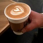 フラット ホワイト コーヒー ファクトリー - ラテー!