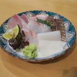 弘大Z - お任せお造り盛り:剣先イカ カンパチ 金目鯛の炙り ハガツオの炙り