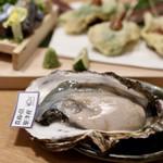 お籠り個室と彩りなだれ寿司 瑞Kitchen - 大粒の生牡蠣