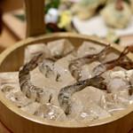 お籠り個室と彩りなだれ寿司 瑞Kitchen - お通しの活車海老