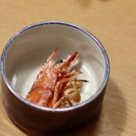 お籠り個室と彩りなだれ寿司 瑞Kitchen - 頭は揚げてくれます