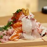 お籠り個室と彩りなだれ寿司 瑞Kitchen - なだれ寿司