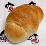 金太郎パン - 塩バターパン(152円)