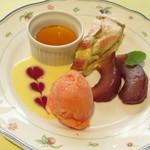 ヴィ ザ ヴィ - 特製デザートの盛合せ~イチジクのタルト・イチゴ風味のプリン・洋梨のコンポート・ミックスフルーツのシャーベット