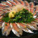 93886044 - 秋刀魚の刺し身(二人前で2000円)
