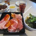 じゅうじゅうカルビ - 料理写真:凄得!ランチ焼肉食べ放題