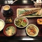 魚平 - 焼き魚ご膳=1080円