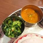 93892116 - 青菜炒め、ダルスープ