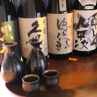 こだわりの日本酒や焼酎を全国より仕入れております