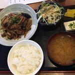 串源屋 - 日替り「豚肉となす炒め700円」
