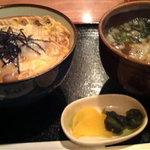 めん処譽紫 - 親子丼と小うどんのセット(750円 親子丼は美味しかったが、子うど