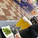 和酒立呑 明後日 - サッポロ白穂乃香セット¥900 白穂乃香(無ろ過生ビール)合鴨ロース+味わい枝豆