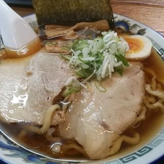 麺場くうが? - 料理写真:エソ煮干し中華そば 醤油味 太麺 650円