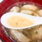 一口ギョーザ 長崎宝雲亭本店 - 酸味のあるスープ