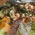 93922351 - カニぶっかけ海鮮サラダ。