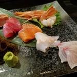 大衆酒場 琉福丸 - 料理写真:鮮魚ちょい盛り