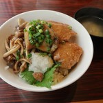 銀座フォワグラ - フォアグラ鶏つくね丼「中」