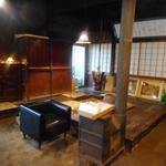 蔵元ごはん&カフェ 酒蔵 櫂 - 建物の1階