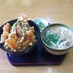 食道家 離 伸 - 天丼セット750円