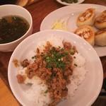 93934462 - 定食の魯肉飯とスープ