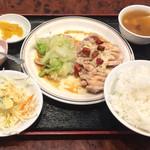 93935198 - 葱油鶏定食680円