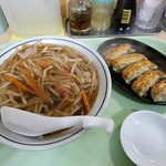 中華料理 タカノ - もやしそばと餃子
