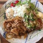 築地食堂 源ちゃん - 生姜焼きと鶏唐揚げの合盛り