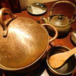 葱ぼうず - 真鯛の釜戸炊き銅鍋ご飯(ふたを開ける前)