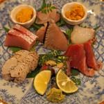 酒亭ばんから - お造り  雲丹、蛸、カツオ、秋刀魚、鱧の焼き霜、鰤、サワラ、鯛