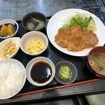 牡蠣鉄板matsumoto - 料理写真:ジャンボとんかつ定食 830円