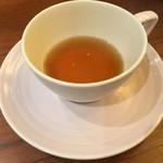 ザ・クリーム・ティーズ・スプーン・ファーム・ハウス - 香りの良い紅茶