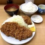 とんかつ山家 - ロースかつ定食(750円)+かきフライ(1個160円✕2個)