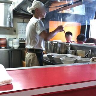 ラーメン二郎 ひばりヶ丘駅前店 - ⑤ご店主の捌き方は相変わらずお見事