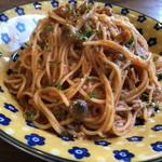 93964124 - ツナとキノコのトマトソースパスタ(大盛り)